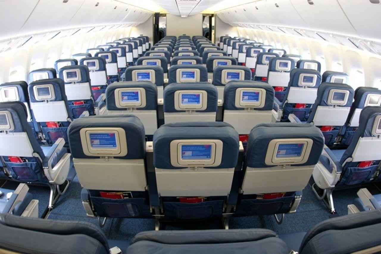 Boeing 767-300 American Airlines aircraft round sticker