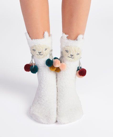 Lama-Socken - Neuheiten - Herbst Winter 2016 Trends in der Damenmode bei Oysho ...   - Socke - #bei...