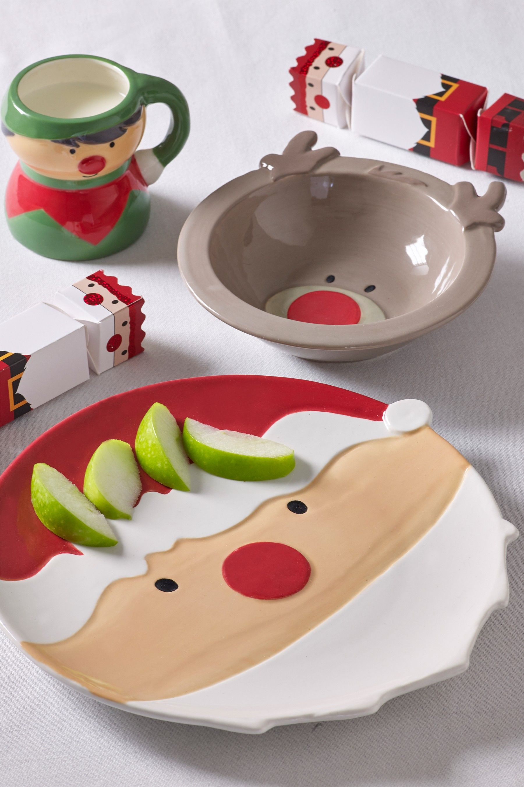 Next Christmas 3 Piece Set Red Dinner Plates Kitchen Decor Inspiration