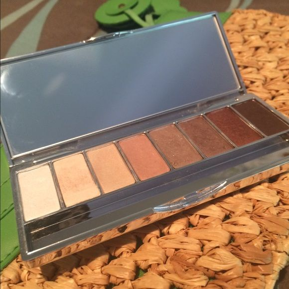 Clinique 'Neutral Territory' eyeshadow pallet. Clinique eyeshadow pallet. Clinique Makeup Eyeshadow