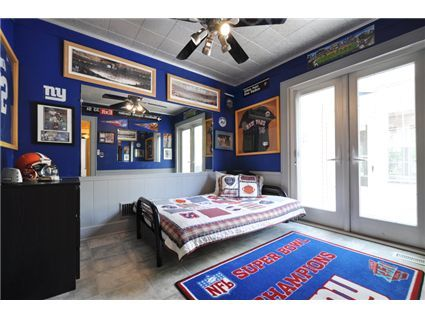 New York Giants Bedroom... Oh. My. God. I Will Have This Room. Holy G MEN,  Batman!