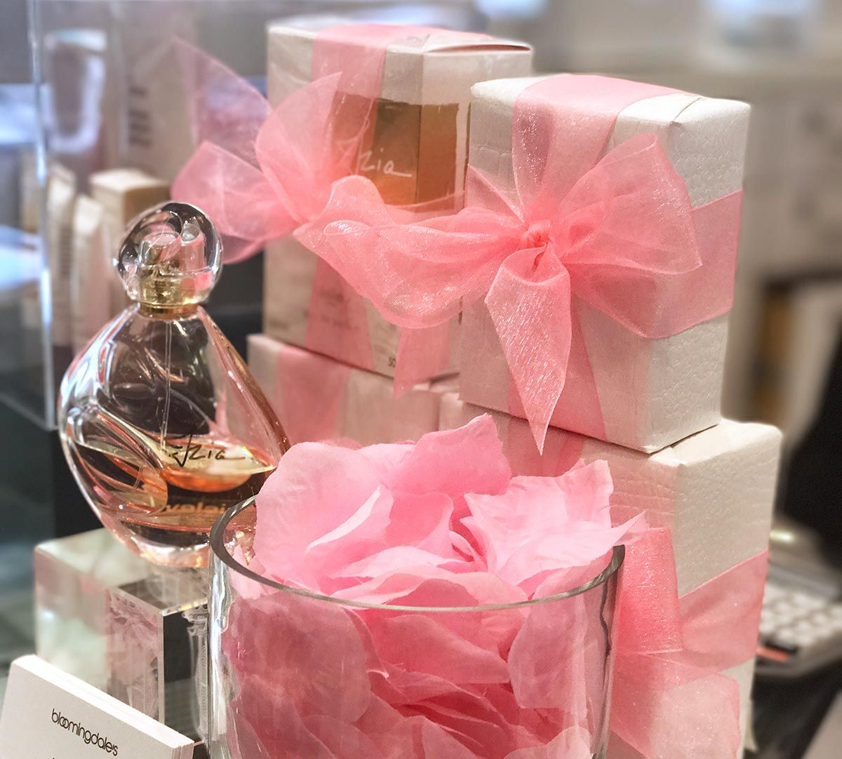 izia sisley in store | Pink | Pinterest | Rose
