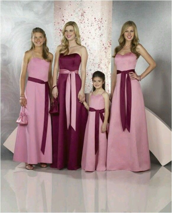 Bridemaid dress. i like how the maid of honor is a different color ...