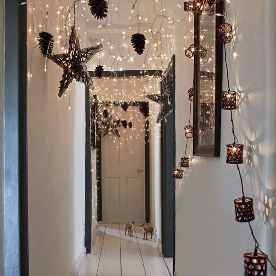 飾りと一緒に天井から吊るす クリスマスインテリア