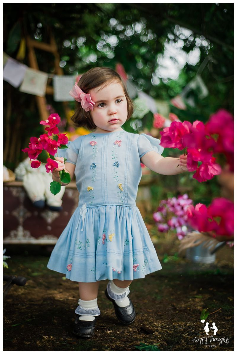 Vintage Flower Market. This is a great idea for girls