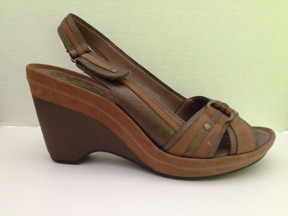 f6416ec89e0 Clarks Privo Shoes Womens Size 8.5 M Brown Heels Open Toe 8 1 2 Slingbacks