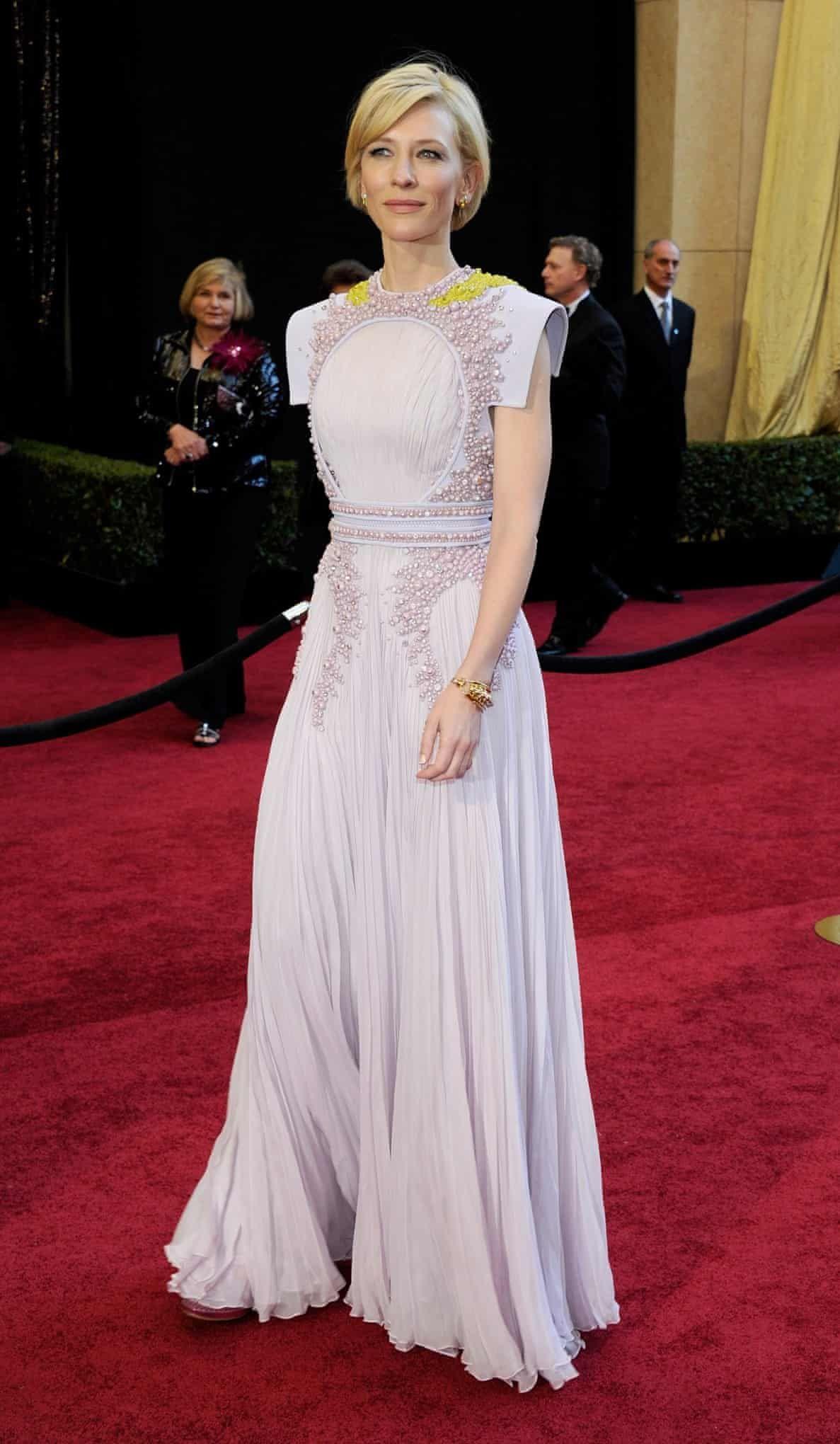 4cb7fdf2ca9d5 The best Oscars dresses ever   red carpet & celebrity fashion.   Red ...