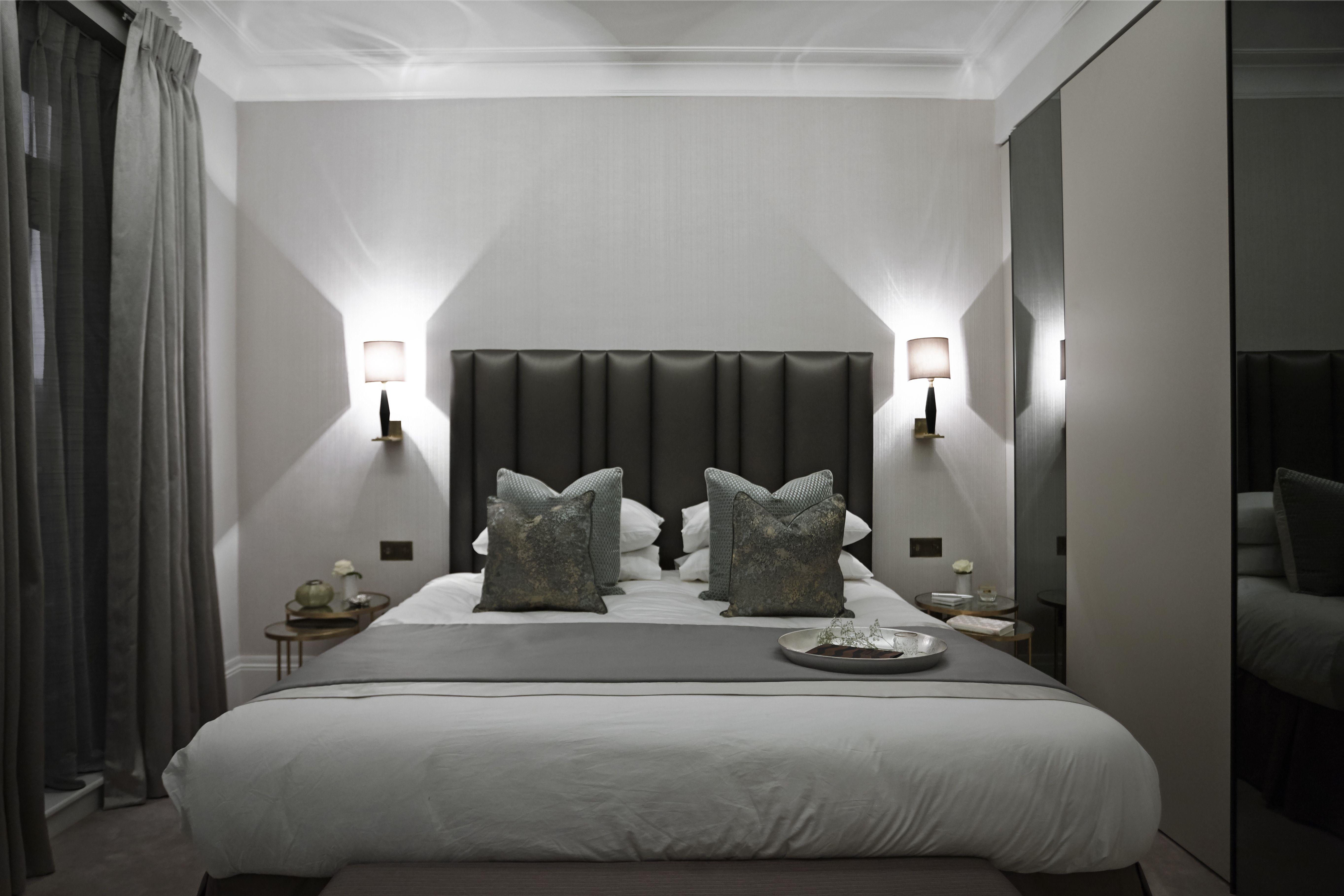 Boscolo Interior Design Mayfair Apartment Bedroom Interiordesign Bed Luxury Lights Wardrobe