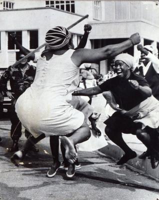 Independence day zimbawe 1980 john mauluka happiness for Boite africaine paris