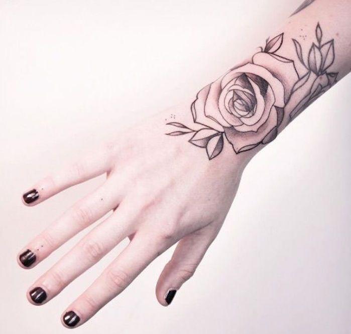 Tatouage Rose Poignet Elles Poussent Sur La Peau Tatoo Tattoo
