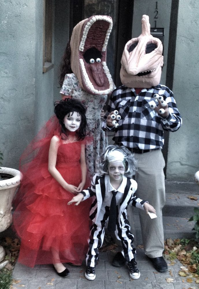 47 of the most fun family costumes of all time family halloween costumeshalloween ideashalloween - Matching Girl Halloween Costume Ideas