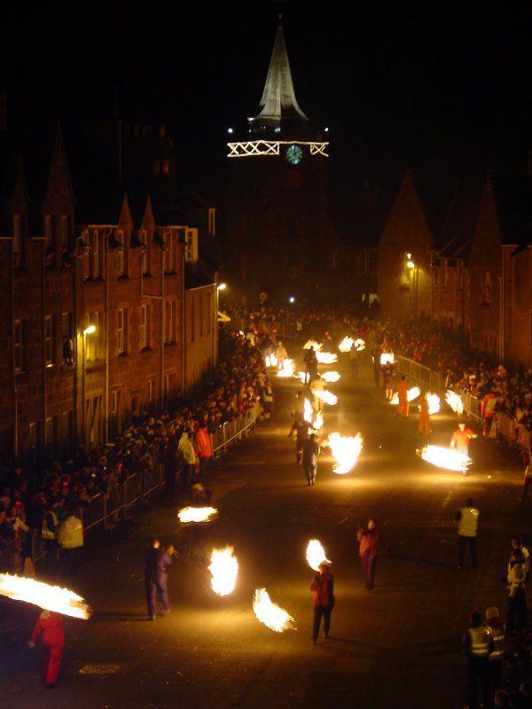 Hogmanay Stonehaven Fireballs Holiday Celebrations Around The World Holidays Around The World Celebration Around The World