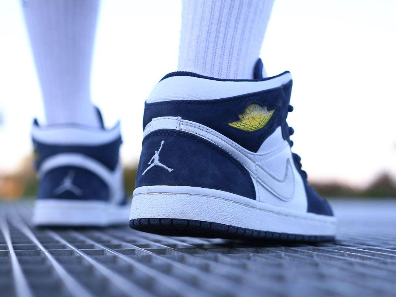 Nike Air Jordan 1 - White/Midnight Navy - 2001 (by tchocolat ...