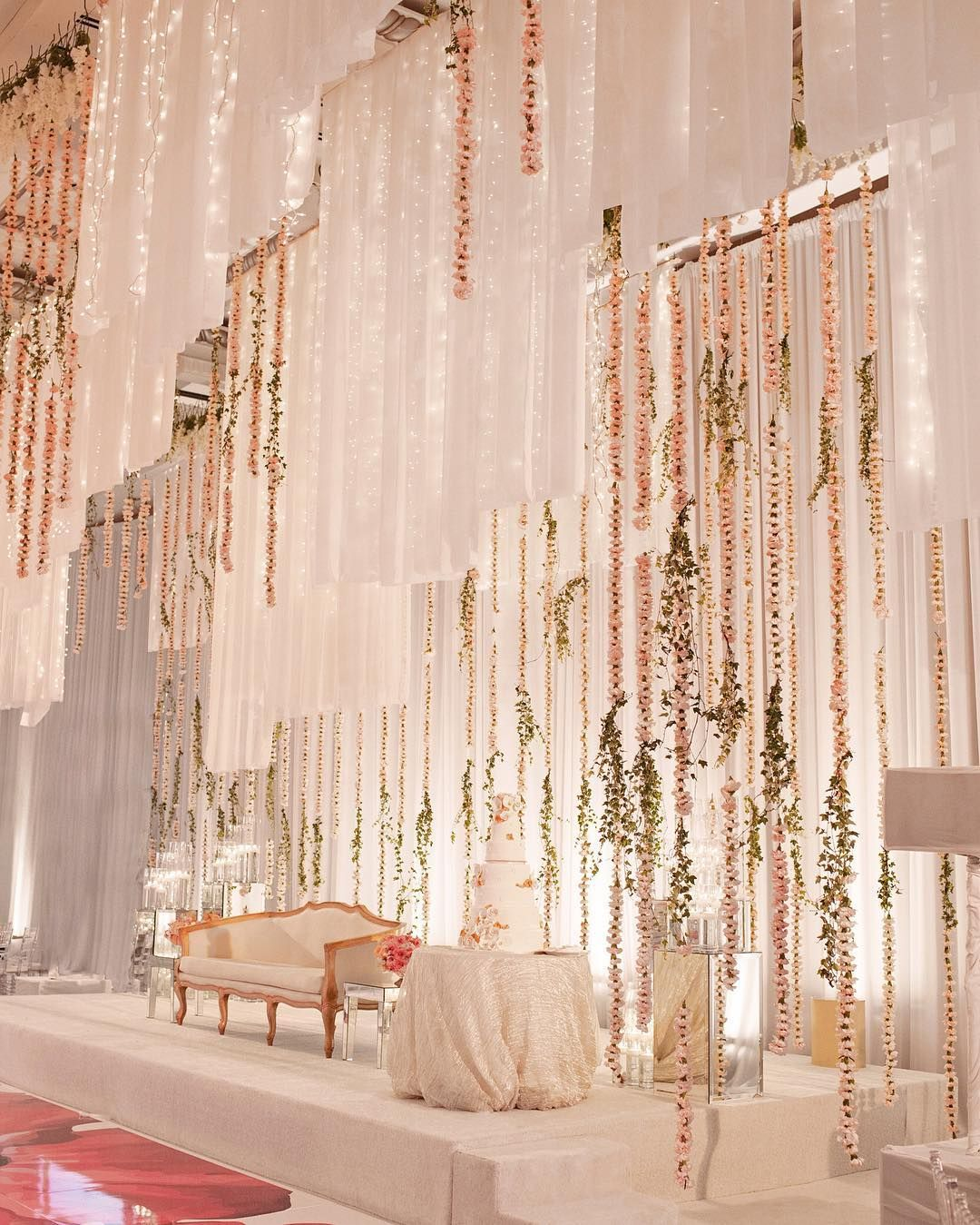 Luxury Wedding Reception With A Perfect And Awesome: Luxury Wedding Decor, Wedding