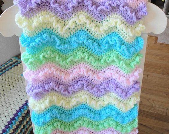 15 Free Ruffled Baby Blanket Patterns | Babydecken, Häckeln und Muster
