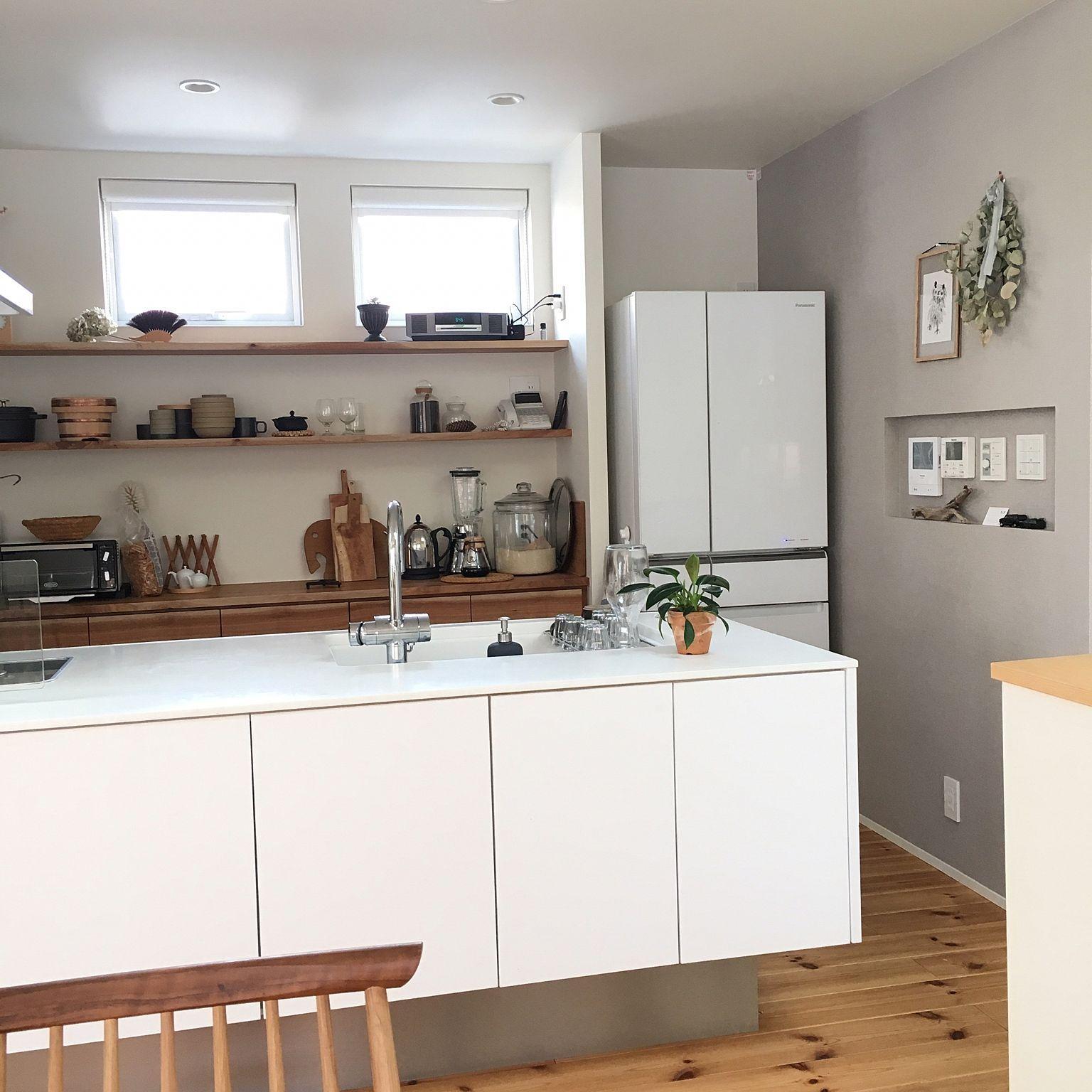 キッチン 二階リビング シンプルな暮らし 無垢の床 こどもと暮らす