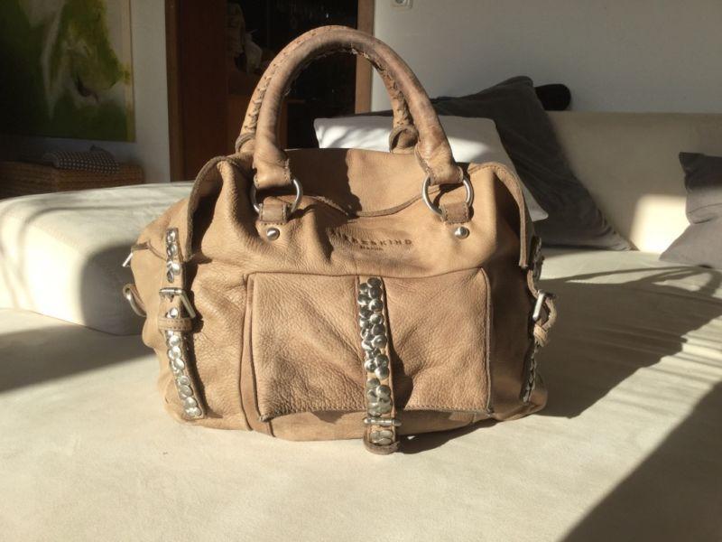 Verkaufe Eine Wunderschöne Liebeskind Berlin Handtasche Aus Echtem Leder  Mit Hochwertigen Nieten In Der Farbe Beige