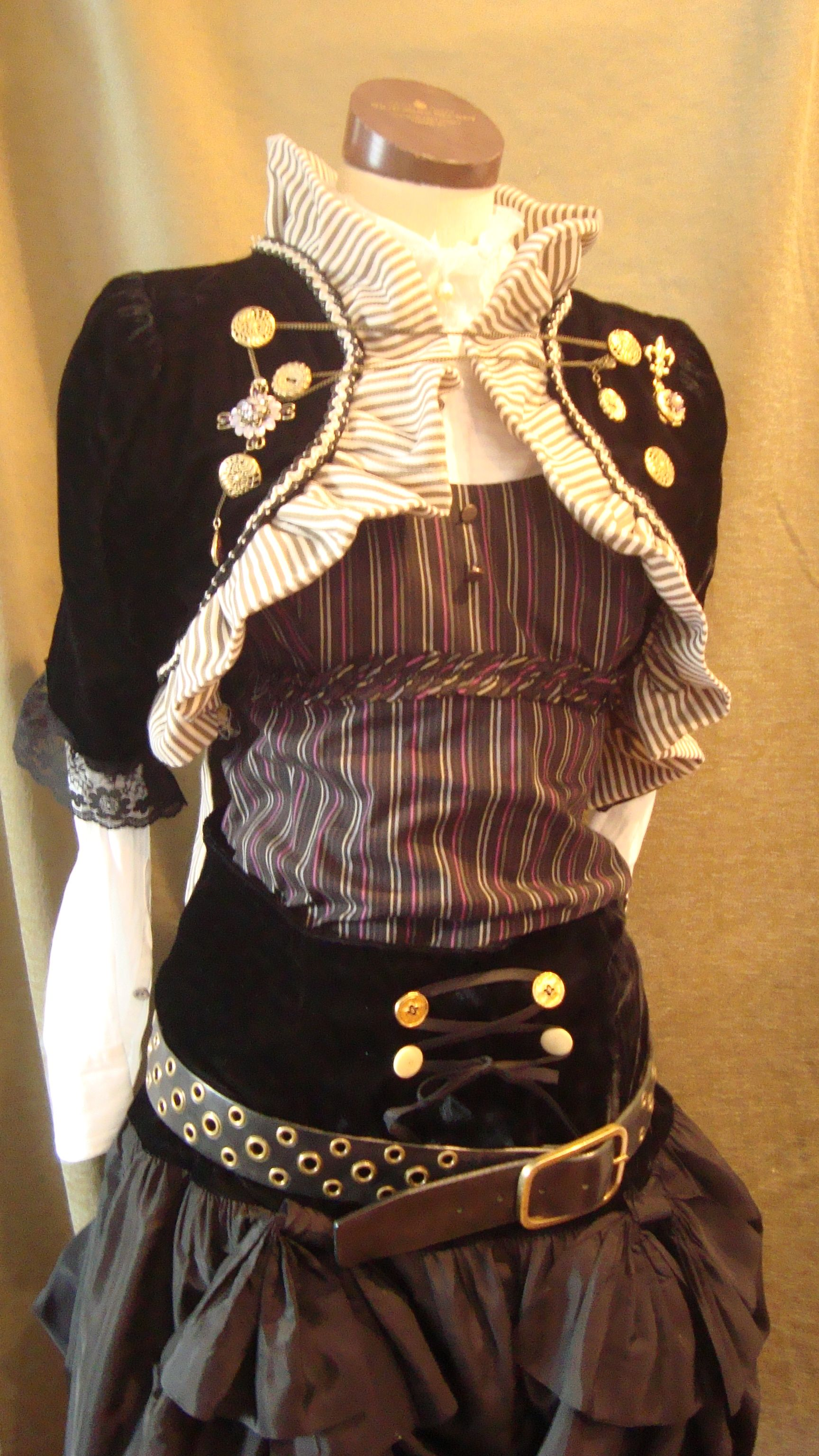 Cute Steampunk Love Collar And Bolero Detail Costumes