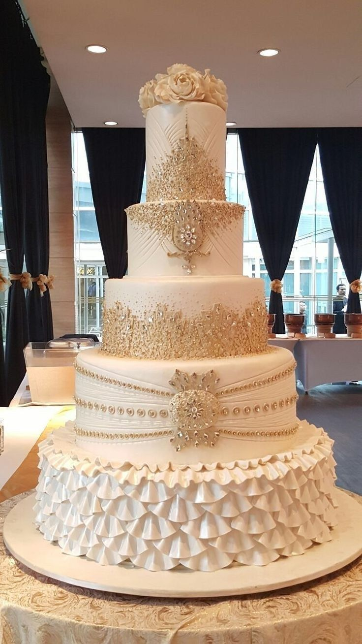72 Simple, Elegant, Chic Wedding Cakes weddingcakes