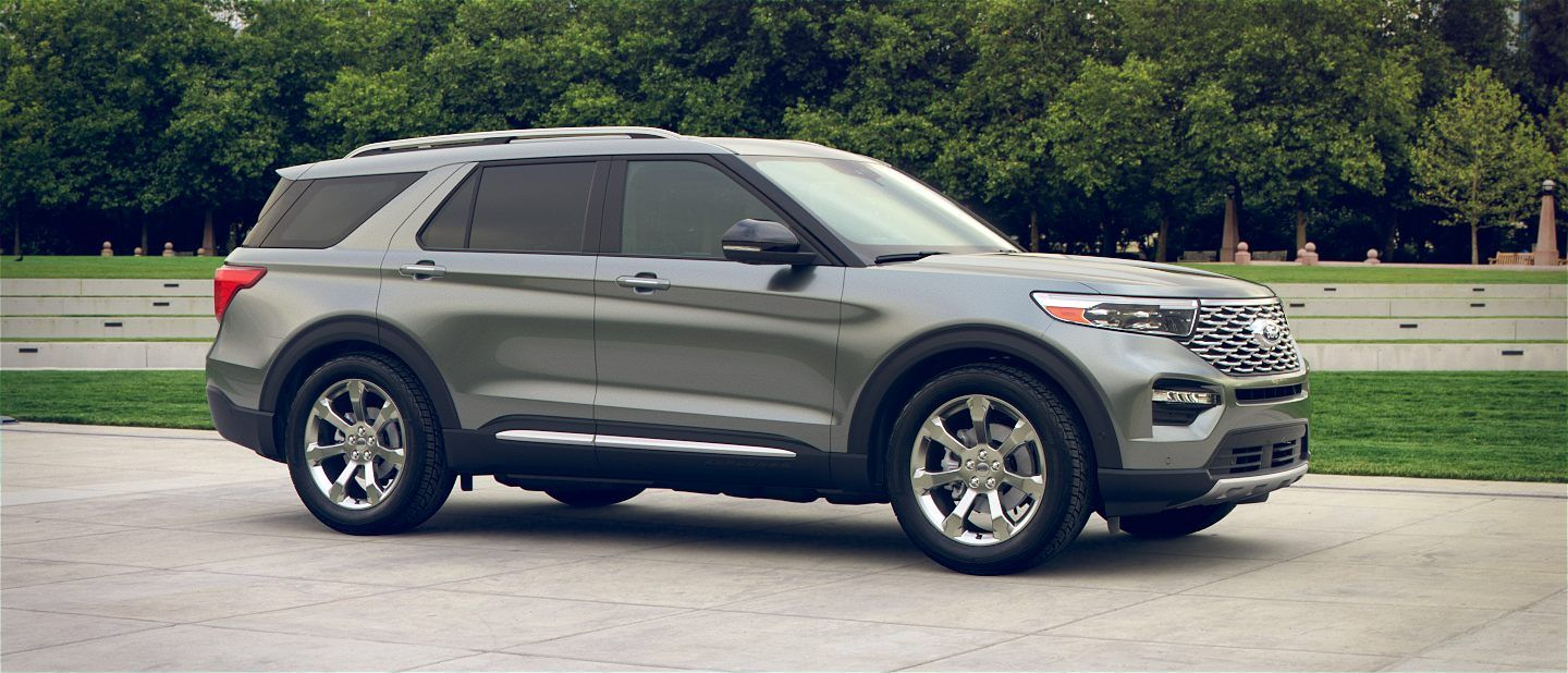 360 Colorizer Spin Of 2020 Ford Explorer In City Park Shown In Silver Spruce 2020 Ford Explorer Ford Explorer Ford Suv