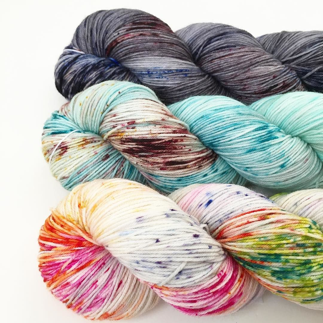 Up early to pack for the @squamlove Art Fair tonight will I see you there? #toilandtroubleyarn #knitting #sockyarn #squamlove