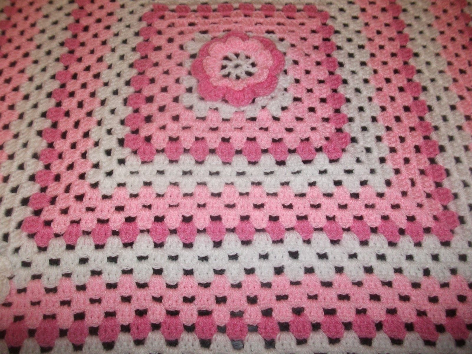 Easy crochet blanket for beginners helens colourful crochet easy crochet blanket for beginners helens colourful crochet blankets new baby girl pink crochet bankloansurffo Gallery