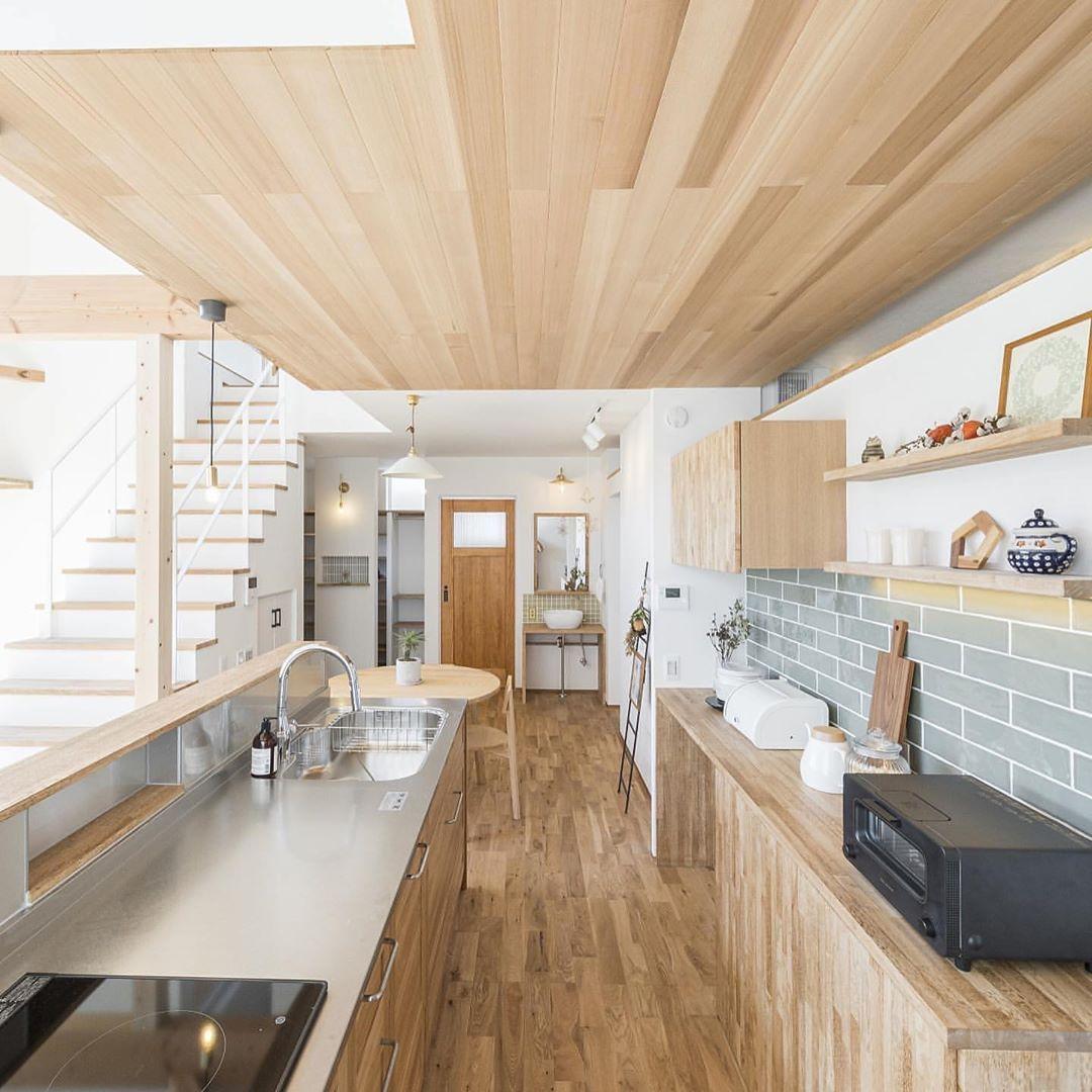 Diyer S On Instagram ゆっくり料理ができる広々キッチン ご本人様からのコメントです キッチン天井の羽目板のレッドシダー