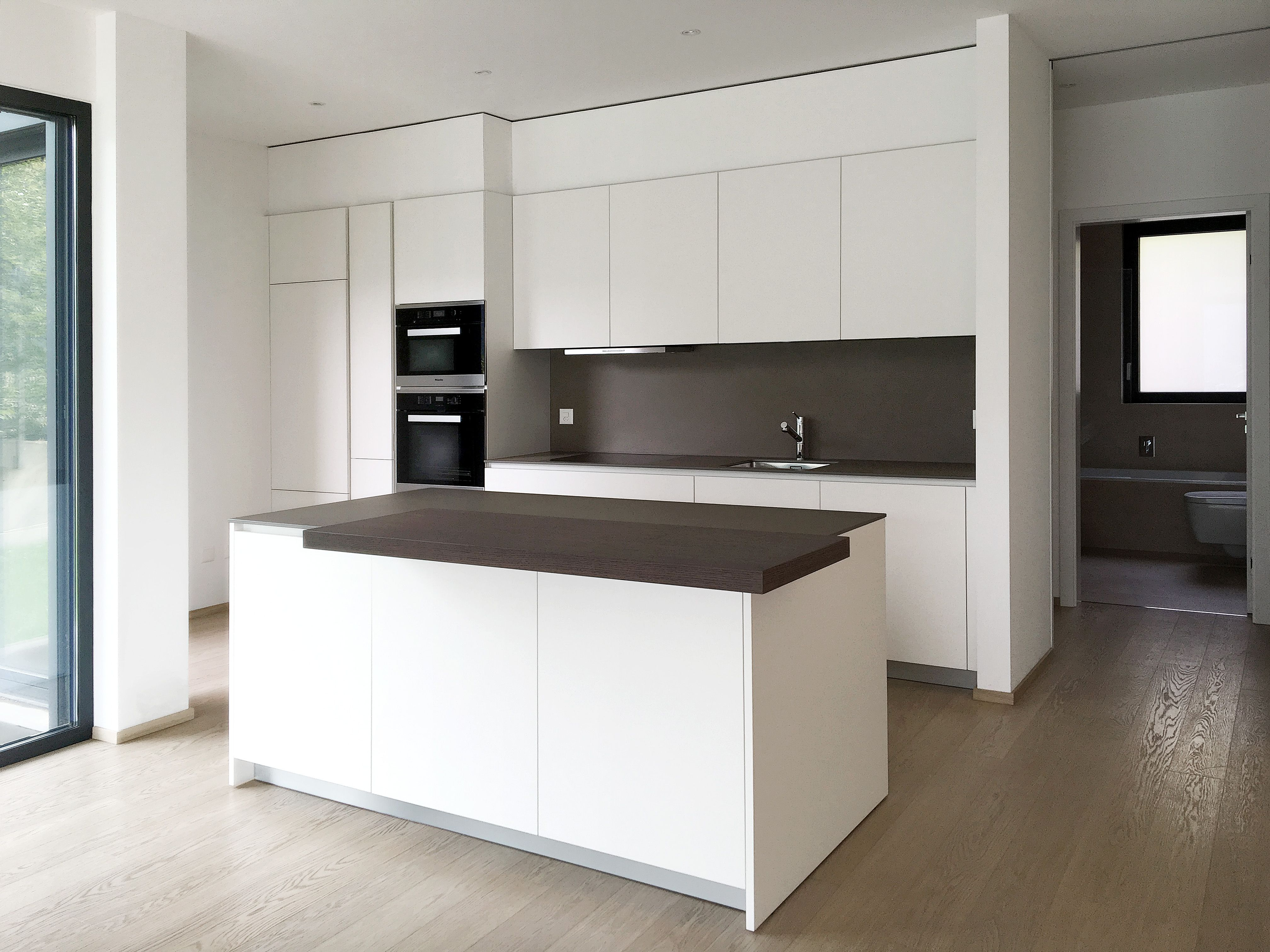 cucina design varenna poliform laccata bianca con piano in ... - Ceramica Cucina