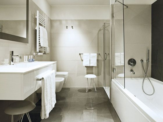 MOVE-Hotel Badezimmer - lovely bath without a window | Interior ...