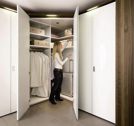 Hulsta hoekkast met inloop spiegel lack wit en hout dealer meubelen multi forma kast theo bot - Amenager kast ...