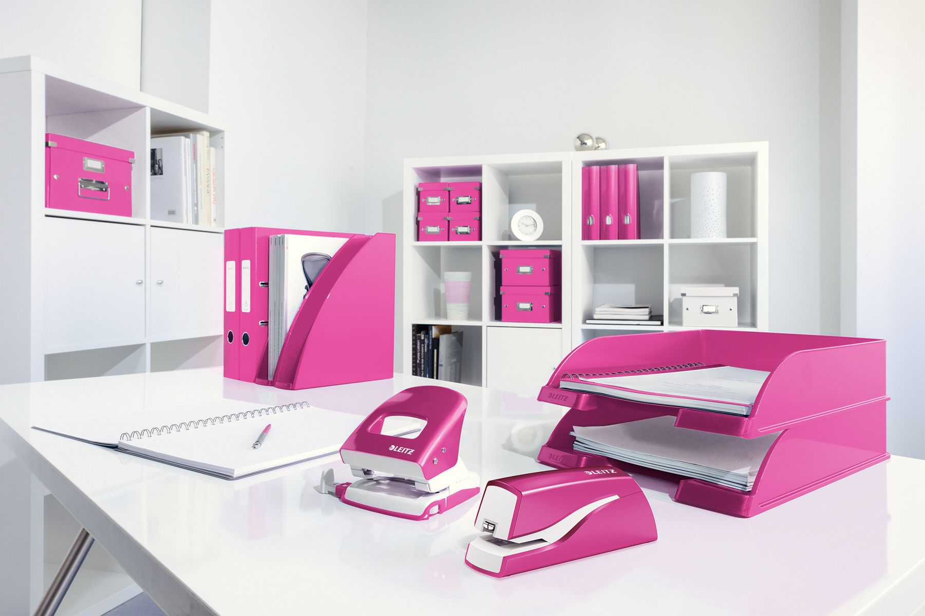Buromaterial In Der Trendfarbe Pink Pinklovers Pink Leitz