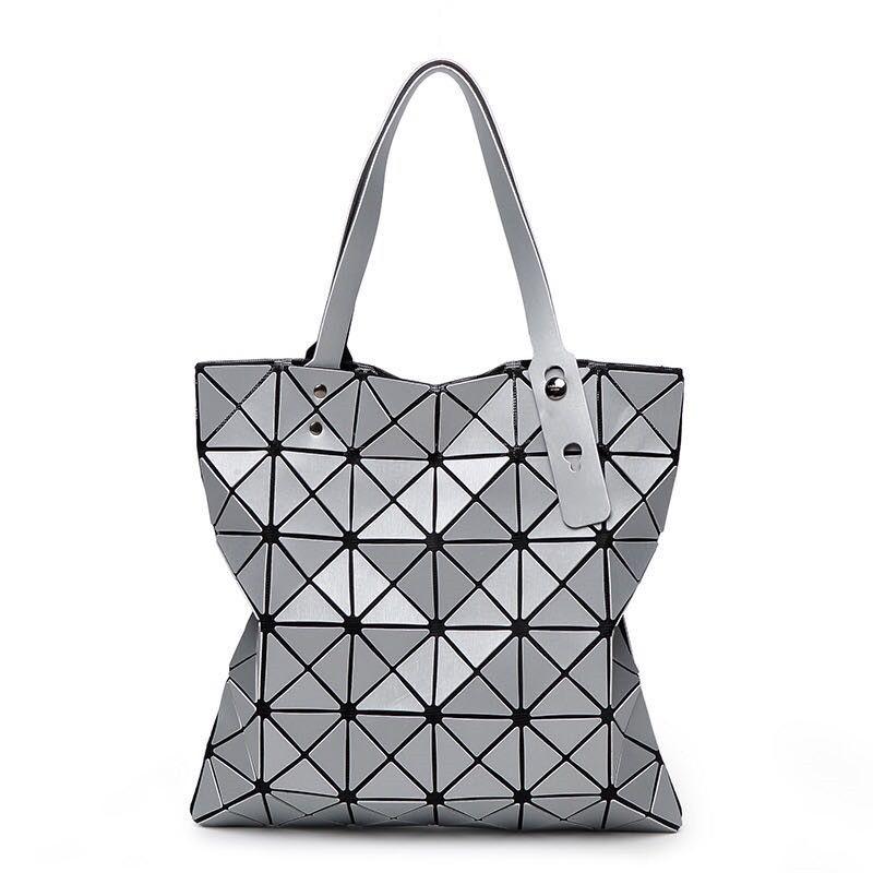 Baobao Top-Handle Bags Fashion Messenger Women Bags Designer Hologram  Handbag sac a main bao bao Beach Bag Clutch bolsa feminina 5500ff8608f83
