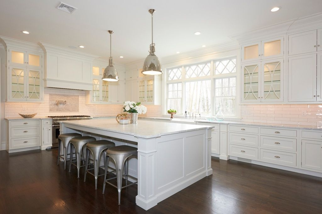 Traditional Kitchen With Glass Panel Canyon Creek Shaker