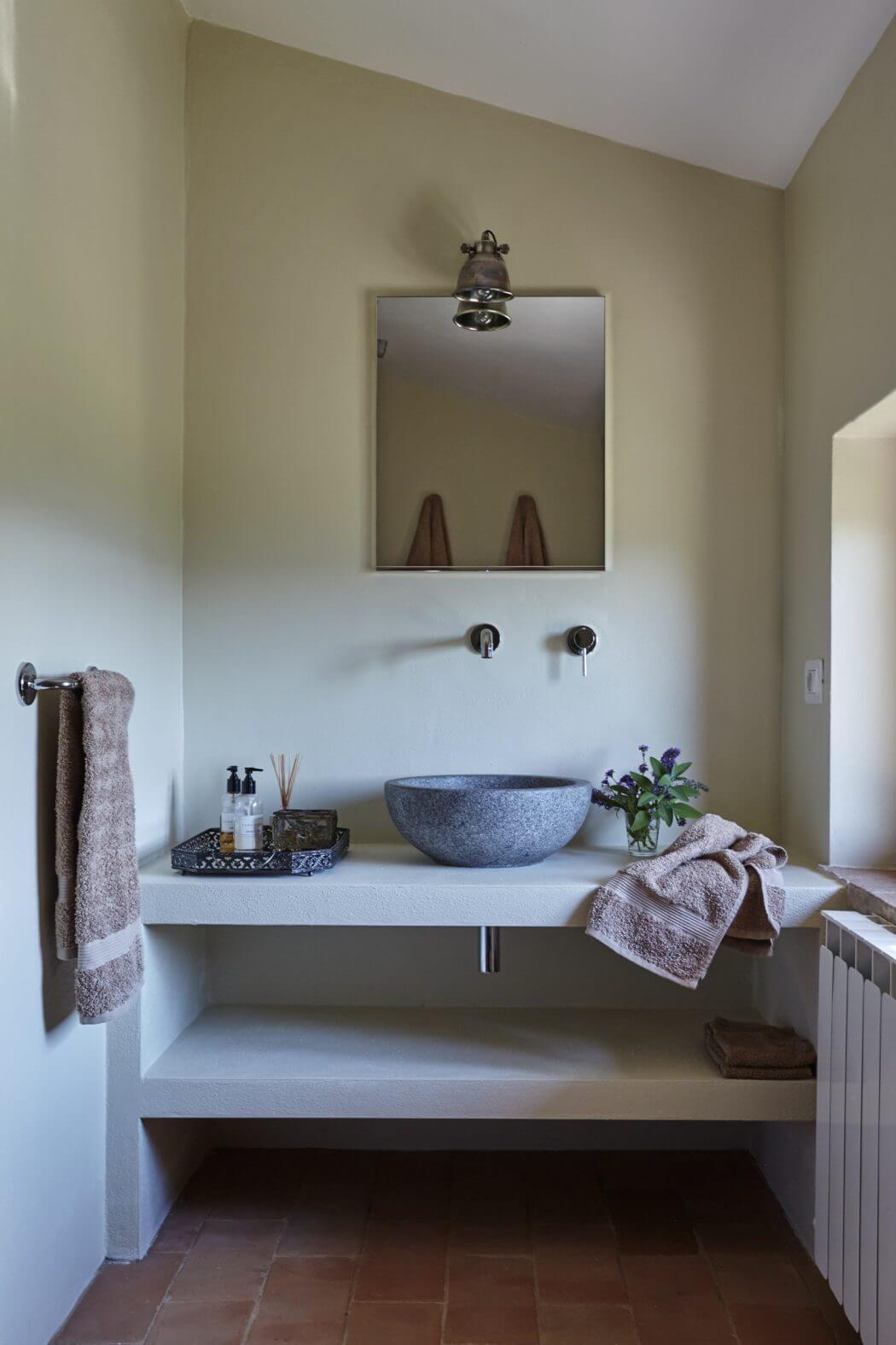 villa in pesciano by special umbria | interiors | pinterest | villas, Badezimmer dekoo