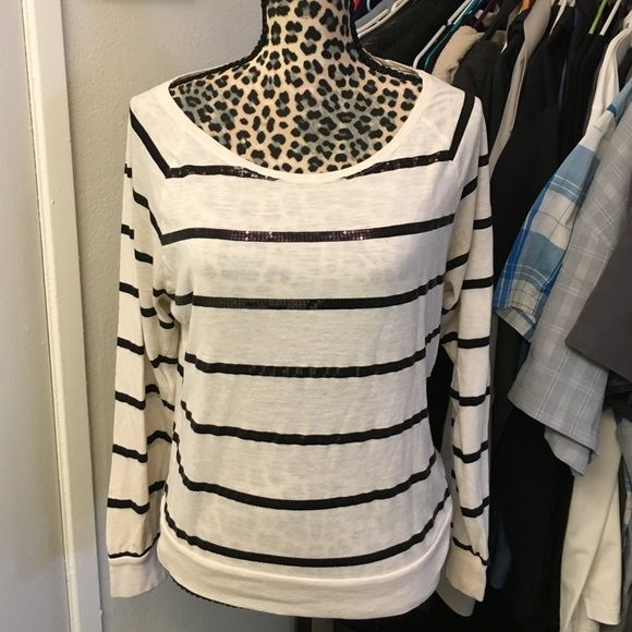 Great cond VS PINK BLING long sleeve shirt Upper cute white and black bling stripped long sleeve shirt size medium PINK Victoria's Secret Tops Tees - Long Sleeve