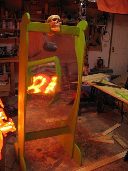 How to build a funhouse mirror Prom Pinterest Fun house - circus halloween decorations