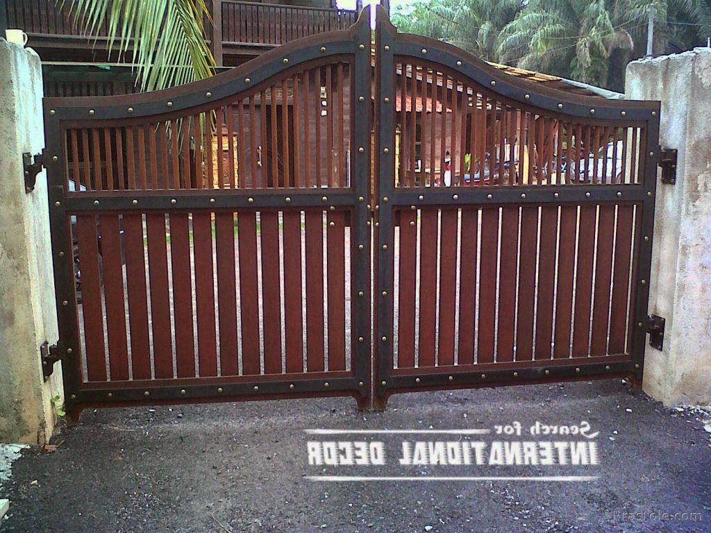 Simple gate design for small house made from steel idea for Wooden main gate design