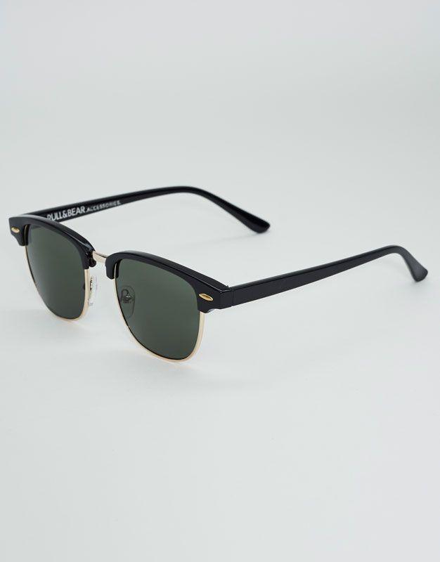 ea1207f9bb Gafas de sol classic - Gafas de sol - Accesorios - Hombre - PULL&BEAR  Guatemala