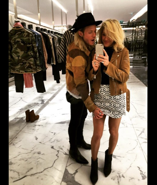 Ellie Goulding and Dougie are such a cute couple we love these two !!! such a inspiration !