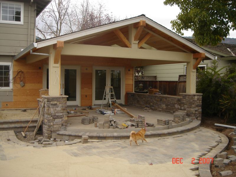 eldorado stone veneer being installed to the exterior columns and