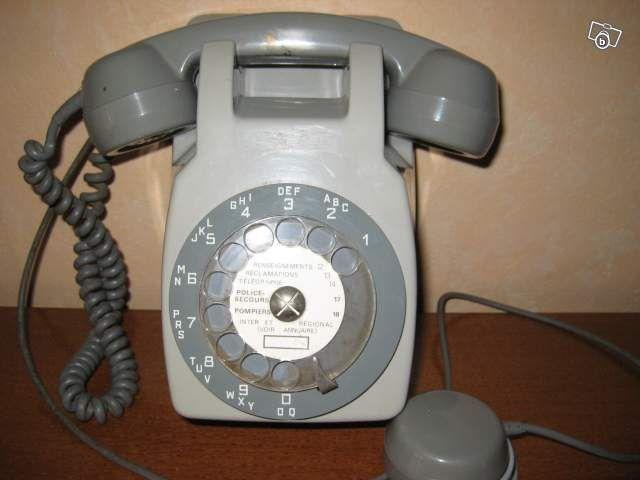 telephone mural ancien telephone