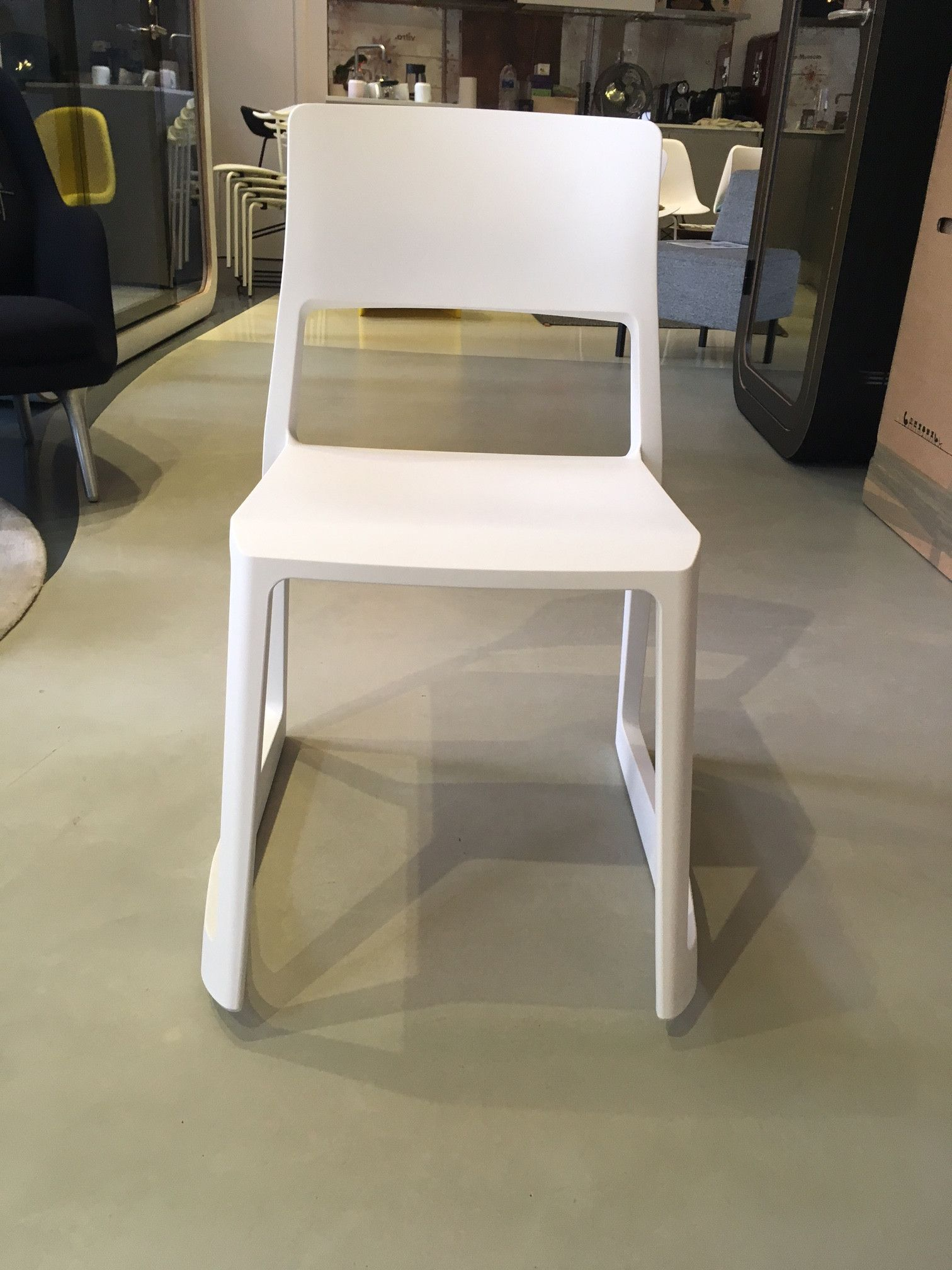 Tip Ton Chair in White
