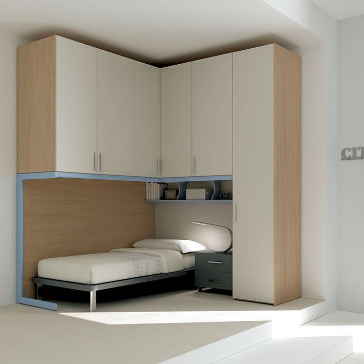 E 39 impreziosito dalle maniglie stylus cromate l 39 armadio for Maniglie per mobili camera da letto