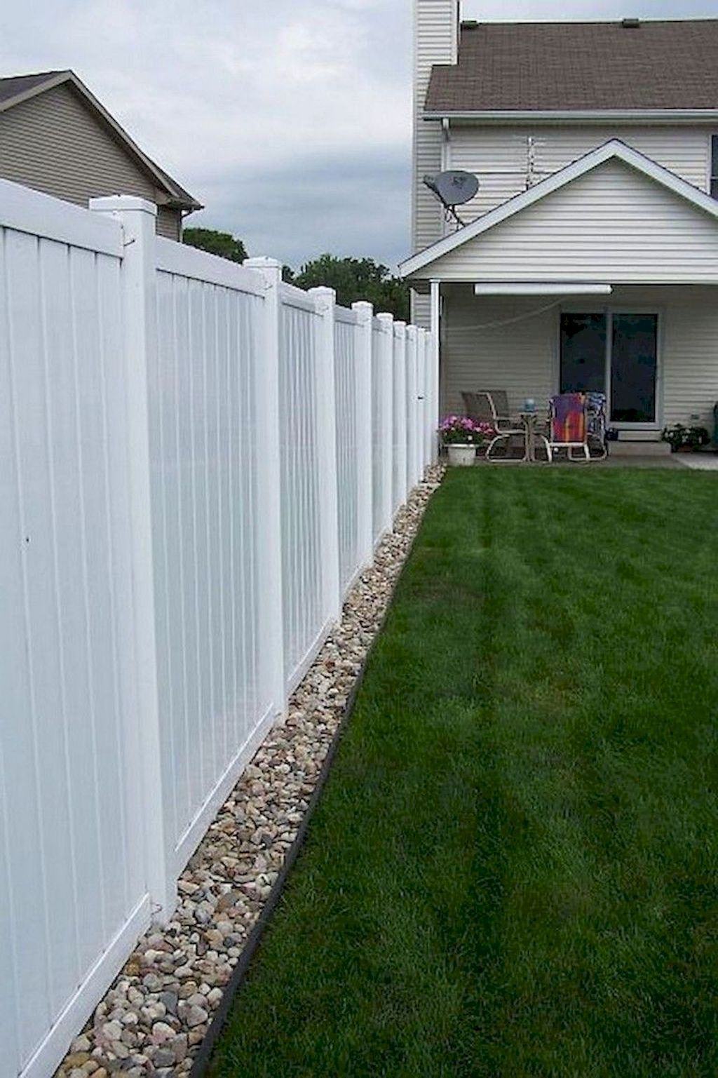 70 Brilliant Privacy Fence Ideas That Add Curb Appeal To Your