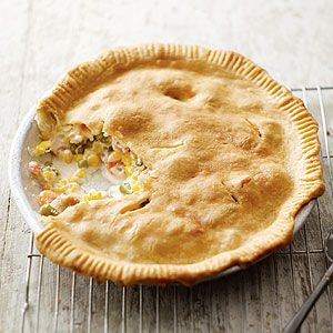 Creamy Chicken Pot Pie This Version Of The Comfort Food Classic Combines Boneless Chicken And Mixed Vegetables In Philadelphia Savory Garlic Cooking Creme