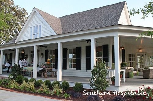 Feature Friday Southern Living Idea House In Senoia Ga Southern Hospitality Southern House Plans Porch House Plans Southern Farmhouse