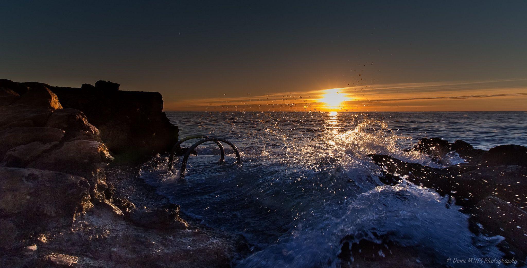 https://flic.kr/p/yMdA8z | Sunrise over Sea, city of Antibes Juan Les Pins, French Riviera by Domi RCHX Photography | Lever du soleil sur la mer, ville d'Antibes Juan Les Pins, Côte d'Azur, FRANCE par Domi RCHX Photography