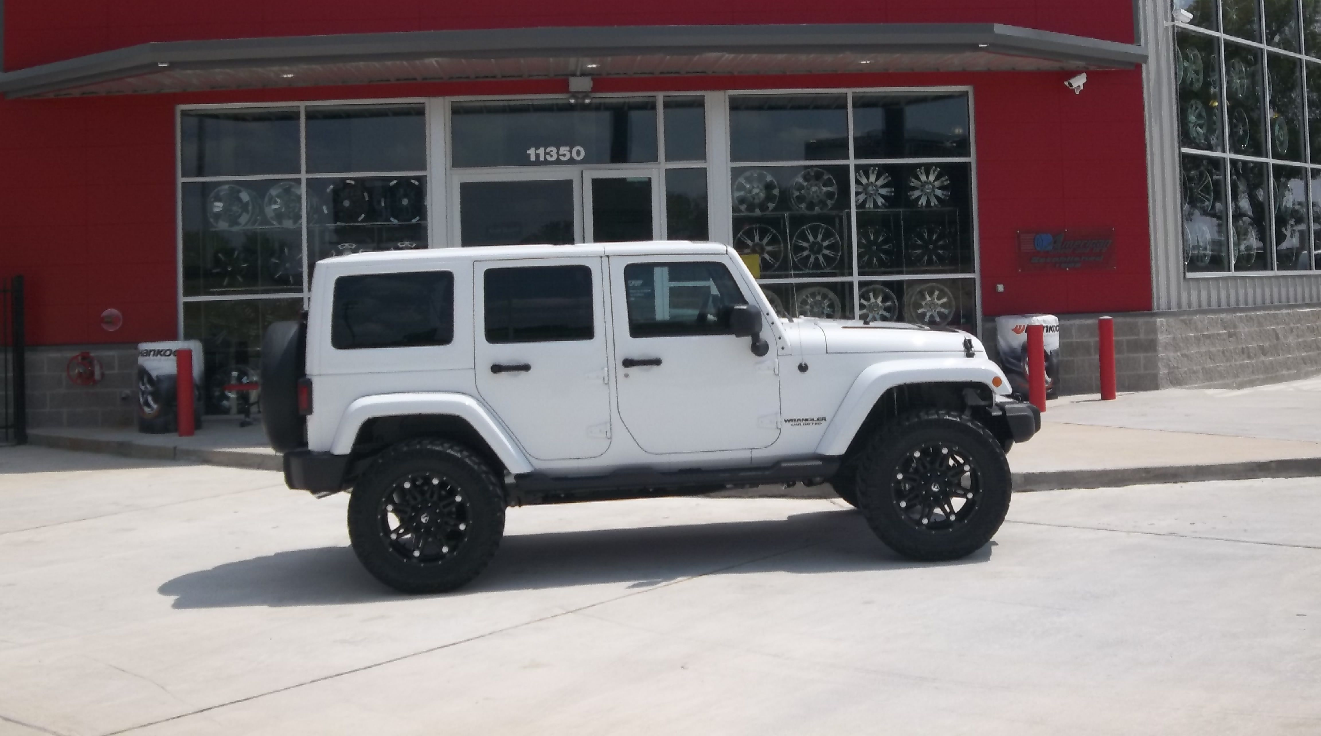 Fuel hostage rims in a 2012 jeep wrangler unlimited