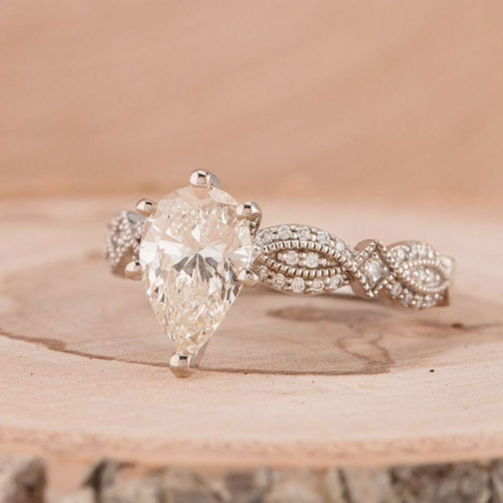 Winter Wedding Proposals And Pretty Engagement Rings Wedding Rings Vintage Vintage Inspired Engagement Rings Diamond Engagement Rings Vintage