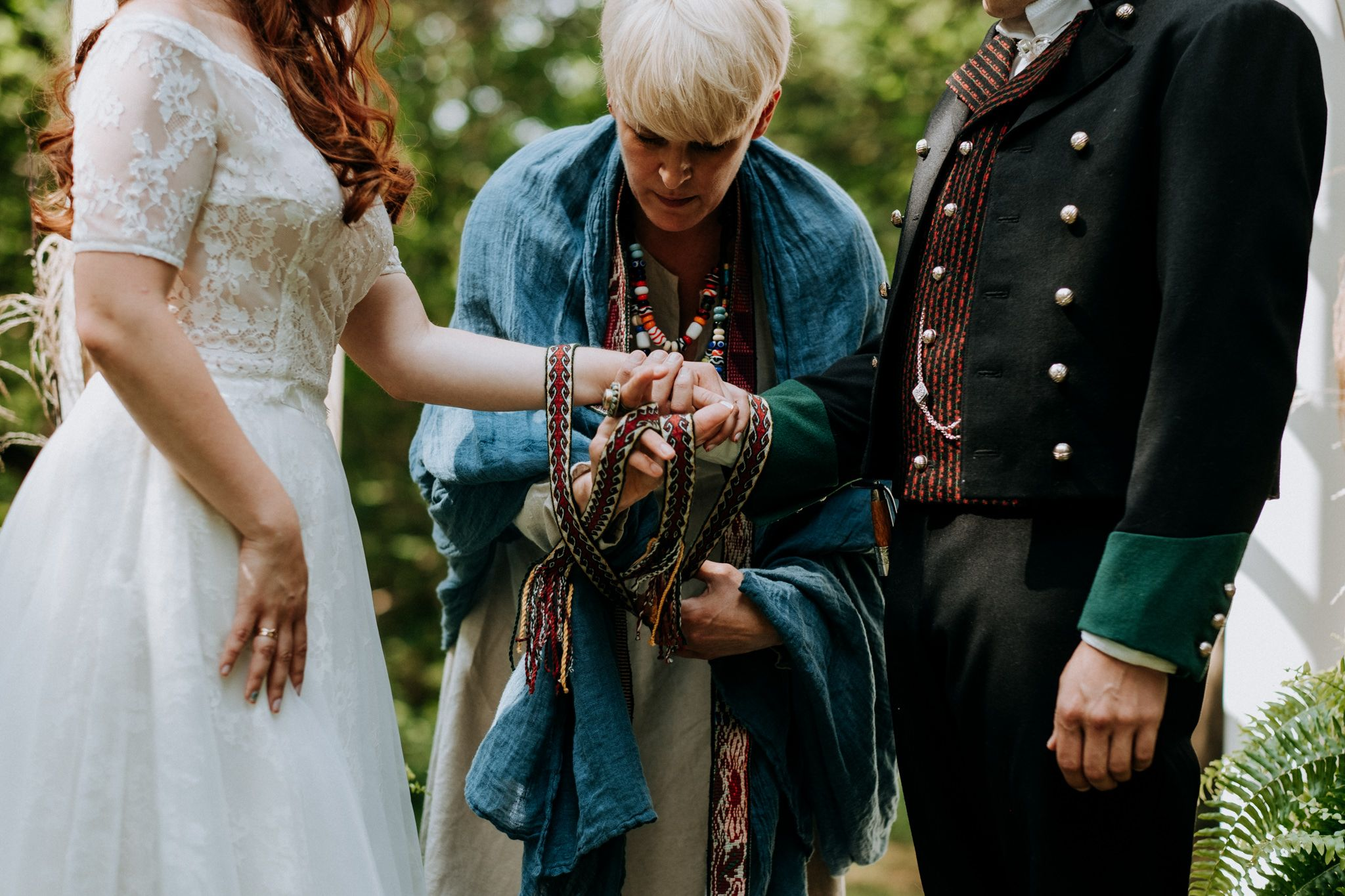 Handfasting ceremony wedding traditions in 2020